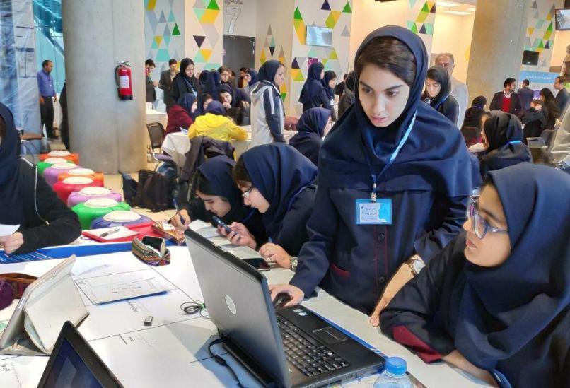 رویدادهای کارآفرینی، دختران دبیرستانی را با راستا جدیدی آشنا می نماید