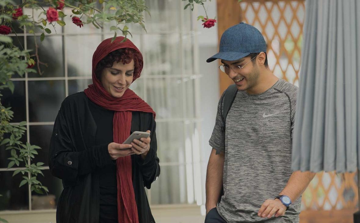انتقاد شدید لیلا حاتمی از تهیه کننده و نویسنده سریال نهنگ آبی
