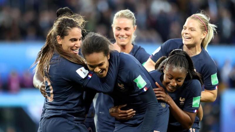 خبرنگاران شب باشکوه فرانسه با عبور از برزیل