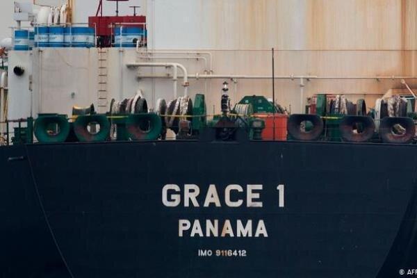 نفتکش ایرانی توقیف شده، پایان سفر خود را شروع کرد