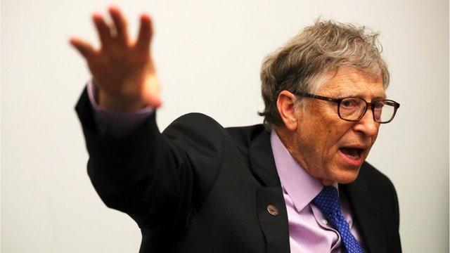 حمله عجیب بیل گیتس به اقتصاد دانان