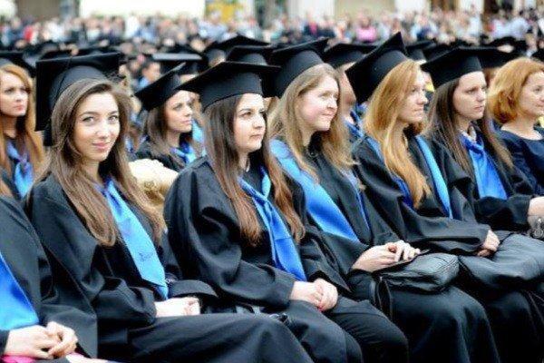 سهم زنان در آموزش و علم، 30 درصد اساتید ایرانی زن هستند