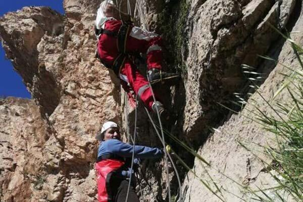 امداد زمینی و هوایی برای نجات 2 کوهنورد