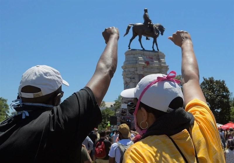 بازداشت 4 نفر به دلیل تخریب مجسمه رئیس جمهور اسبق آمریکا