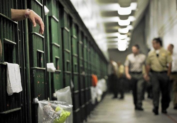 شیوع کرونا در زندان بروکلین