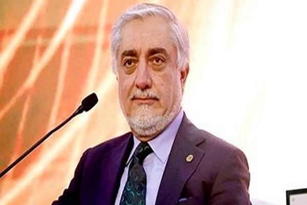 عبدالله: مذاکرات صلح به رغم حملات طالبان ادامه می یابد