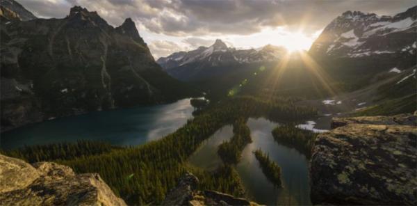 تور کانادا: تایم لپسی از طبیعت کانادا که نزدیک به 6 هفته عکاسی و 9 ماه ویرایش زمان برد